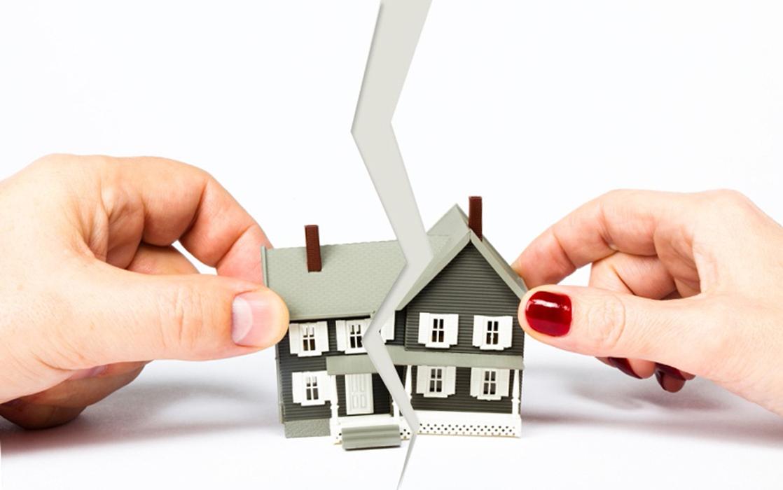 Как продать квартиру, если один собственник против?