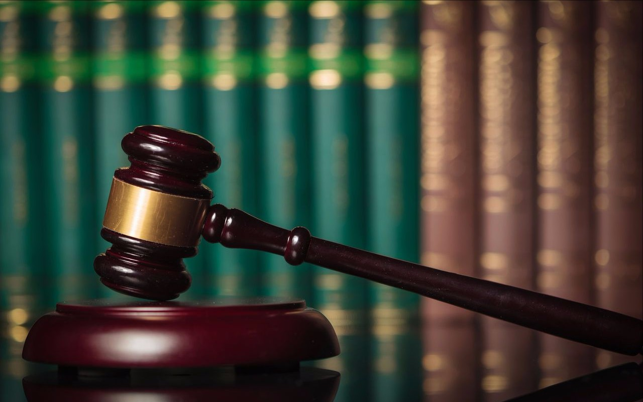 Как востребовать документы у физического лица по судебному